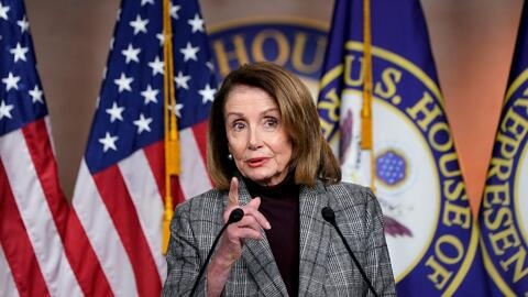 "Nancy Pelosi dice que ""no vale la pena"" destituir a Donald Trump"