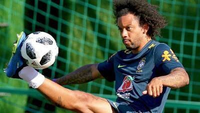 No se asusten 'ticos': golazos al ángulo de Marcelo y Douglas Costa en práctica de Brasil