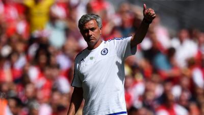 José Mourinho regaló medalla de Subcampeón