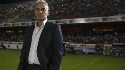 EXCLUSIVA | Juvenal Olmos desmiente a Kuri: no hubo mutuo acuerdo y sí hay doble contrato