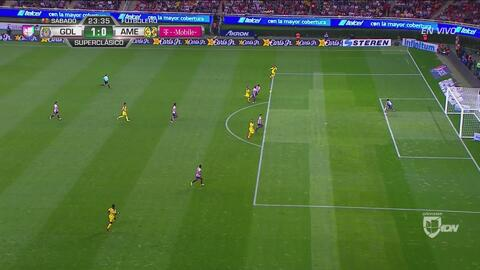 Difícil decisión arbitral: gol anulado a Cecilio Domínguez