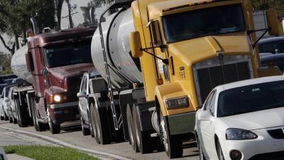 Esta temporada navideña habrá tráfico y bajos precios de gasolina en Chicago