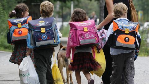 Demandan al Departamento de Educación de Nueva York para exigir un menor número de niños en las aulas