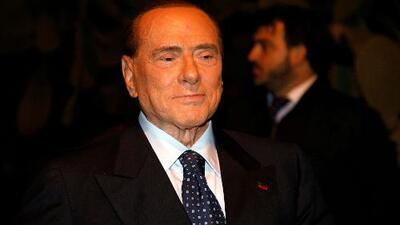 Las imágenes del cambio físico de Berlusconi que han generado críticas y halagos