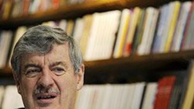 El escritor Gerald Martin habla de Gabriel García Márquez, el objeto de su biografía