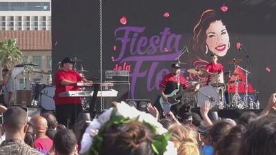Miles de seguidores de la cantante Selena acuden al Festival de la Flor en honor a la 'reina del Tex-Mex'