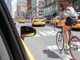 Toma estas precauciones si viajas en bicicleta por las calles de Nueva York