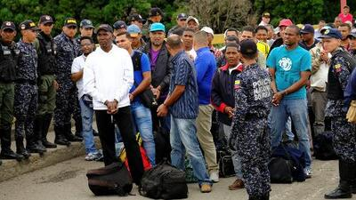 Decenas de colombianos presos en Venezuela vuelven a su país y aseguran que los tenían secuestrados