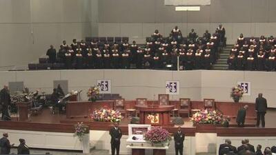 Familiares y amigos le dan el último adiós a Pamela Turner, quien murió tras ser baleada por un policía de Baytown