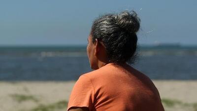 Sus hijas se fueron rumbo a EEUU y estas madres pasaron más de una década sin tener noticias suyas