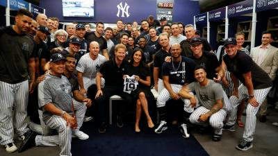 Meghan Markle recibió más de una sorpresa al saludar a los Yankees y a los Red Sox en Londres