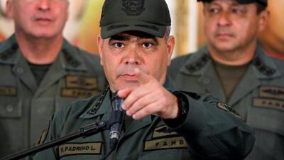 """""""Van a tener que pasar por estos cadáveres"""": ministro de Defensa de Venezuela en respuesta a Trump"""