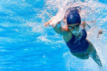 <b>CÁNCER</b><br>Uno de los signos más sensibles y delicados, no les gustan los deportes extremos y estos podrían hasta perjudicarlos. Sin lugar a dudas, la natación es para ellos.<br>