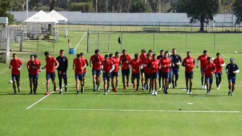 """Sugerencia de Aldo Farias a Chivas: """"Las playeras ya no compran jugadores"""""""