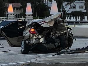 En fotos: el accidente en Miami Beach que deja una persona fallecida, dos heridos y los autos destrozados