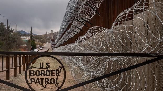 El gobierno extiende el cierre de fronteras un mes más
