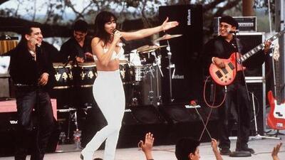 La reacción más conmovedora a la película 'Selena' fue la de su viudo Chris Pérez