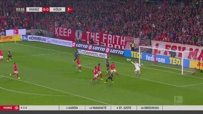 ¡Se lleva las palmas! Zentner hace impresionante atajada a una mano