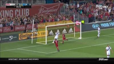 Con fenomenal zapatazo Sebastian Giovinco inicia la goleada, Toronto 3-0 LA Galaxy