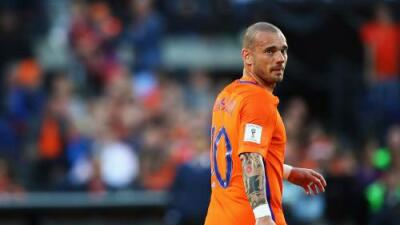 Wesley Sneijder anuncia su retiro con Holanda