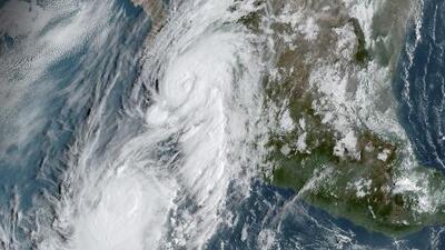 Huracán Lorena cambia su trayectoria y se desplaza nuevamente por el Golfo de California