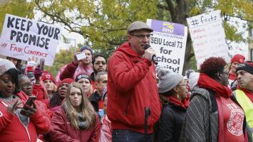 """""""Es una victoria para la comunidad latina"""": presidente de CTU tras el fin de la huelga de maestros de Chicago"""