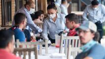 Conseguir trabajadores, un desafío para dueños de restaurantes en medio del proceso de reapertura