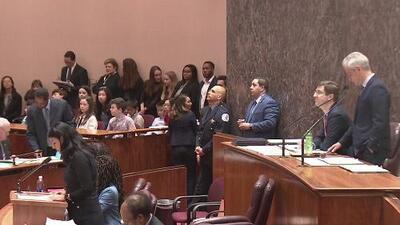 Concilio de Chicago aprueba dos polémicos proyectos de construcción y surgen cuestionamientos contra Lori Lightfoot