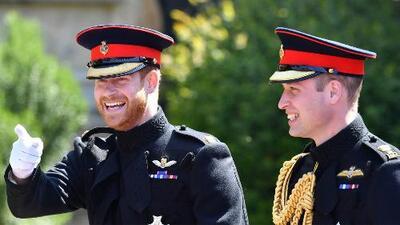 De militar y apuesto: así entró el principe Harry a la capilla de San Jorge para su boda