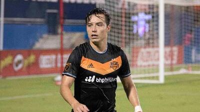 Con un fino 'trolleo' en redes sociales Érick Torres respondió al panameño Adolfo Machado