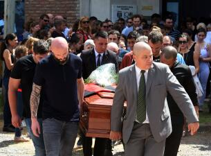 La última despedida a Emiliano Sala: sus seres queridos le dan el adiós