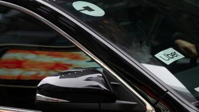 Conductores de Uber y Lyft hacen huelga en 10 ciudades de EEUU