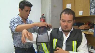 Mexicanos inventan una chaqueta inteligente para evitar accidentes en las calles