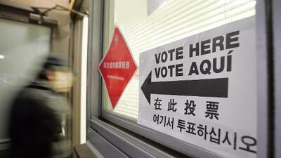 ¿Vote aquí? Ciudadanos con manejo limitado del inglés podrían definir el balance en el Congreso