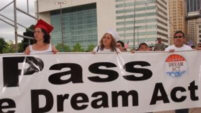 Rector de la Universidad de Texas propone colegiaturas asequibles para indocumentados