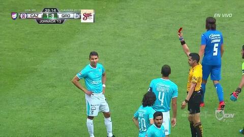 ¡Expulsión! El árbitro saca la roja directa a Alexis Pérez