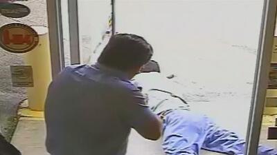 Un comisionado de Florida enfrenta cargos de asesinato por disparar contra un presunto ladrón