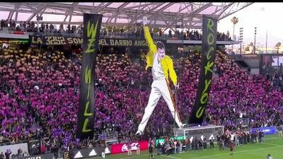 Freddie Mercury invade la casa de Carlos Vela en el partido del LAFC