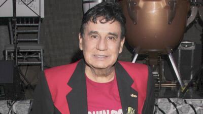 El cantante Gualberto Castro lucha por su salud ante un cuadro médico complicado