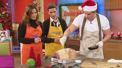Karla y Poyato cocinaron toda una Pierna de Cerdo para 20 personas, ¡por menos de 40 dólares!