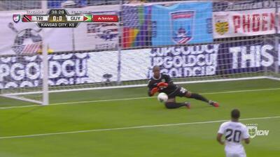 Roberts vuelve a rifarse para evitar el primer gol trinitario