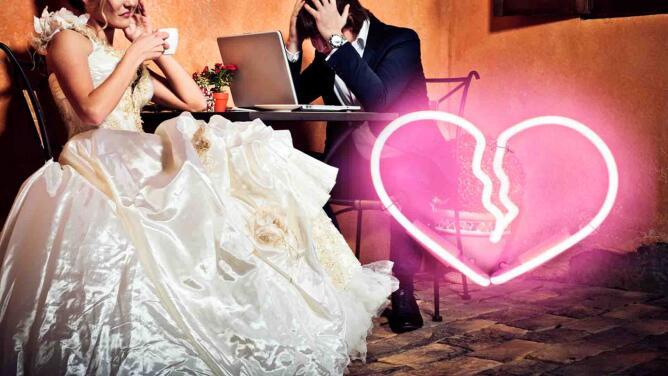 Mujer enfurecida pide el divorcio a su marido minutos después de casarse