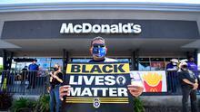 McDonald's se enfrenta a una demanda de mil millones de dólares por presunta discriminación