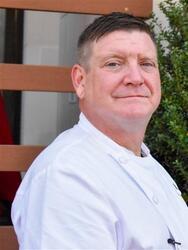 Chef-Headshot-1-768x512.jpg