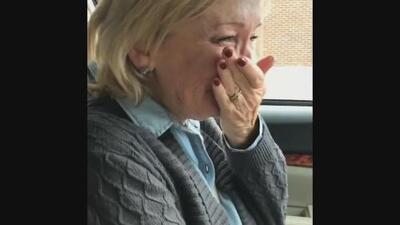 En video: lágrimas tras votar por una mujer para presidenta por primera vez