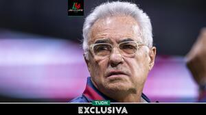 Dávila critica a los 'fans' que mostraron mantas contra Cruz Azul
