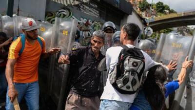 El ciclo de violencia en Venezuela llega a los saqueos con 7 muertos en la última semana