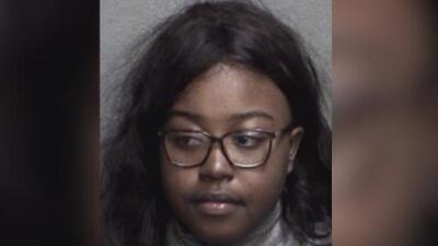 Arrestan a una mujer en College Station por estar involucrada en la desaparición de su hija de dos años