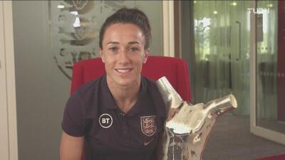 ¡Del Lyon para el mundo! Lucy Bronze se llevó el trofeo como Jugadora del Año de la UEFA
