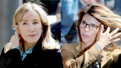 En fotos: Las actrices acusadas de comprar cupos para sus hijos en universidades se presentaron en la corte